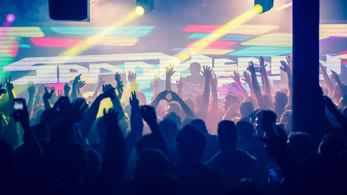 5 Tips For Your Next In-House Party Lighting