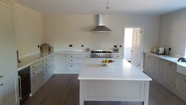 Key Tips for Choosing the Perfect Stone Kitchen Worktop