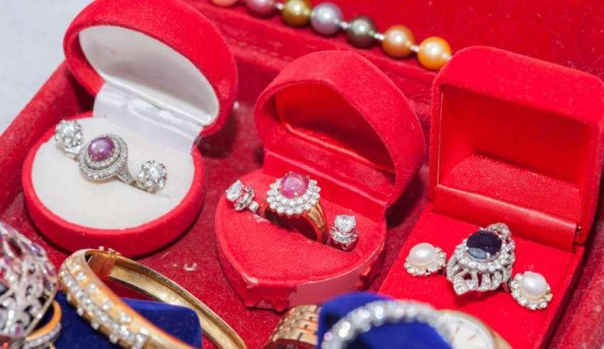 5 Steps to buying antique jewellery