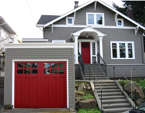 How to Choose the Perfect Color for Your Garage Door