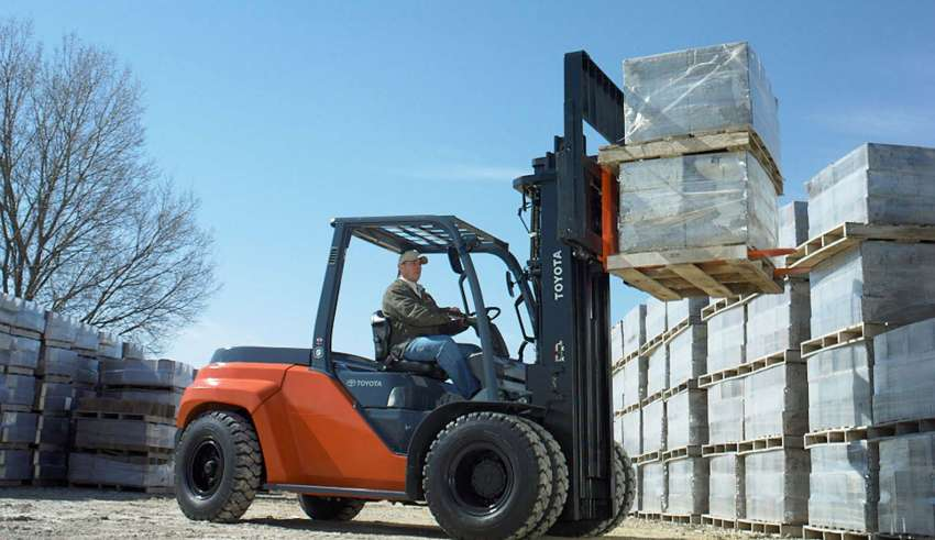Forklifts Overheating: Causes And Prevention While Moving Heavy Objects